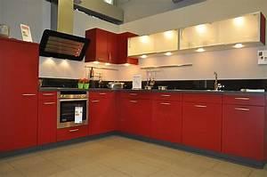 Rote Arbeitsplatte Küche : ausstellungsk chensuche 4 4 das portal f r g nstige ausstellungsk chen ~ Sanjose-hotels-ca.com Haus und Dekorationen