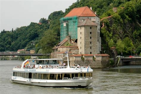 Boat Cruise Vienna To Budapest by Boat Trips On The Danube