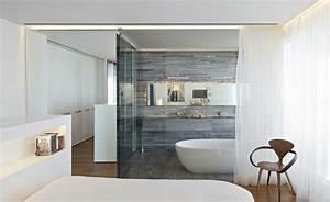 chambre avec salle de bain fusion d39espaces harmonieuse With salle de bain design avec décoration cristal