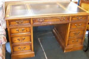 263h sligh lowry pine desk leather top front heavi