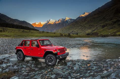 jaguar jeep 2018 2018 jeep wrangler unlimited rubicon front three quarter