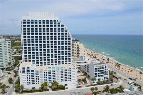 Best Deals On Kitchen Appliances by Generous Spaces Picture Of Hilton Fort Lauderdale Beach