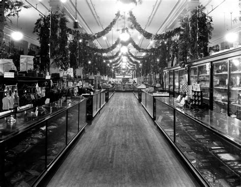 early wis department store offered good service