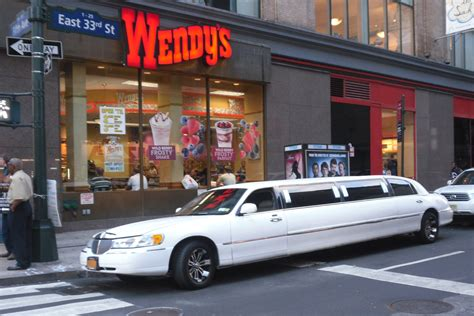 Nyc Limo by File 2011 Nyc 5th Avenue Limo Lincoln Towncar Jpg