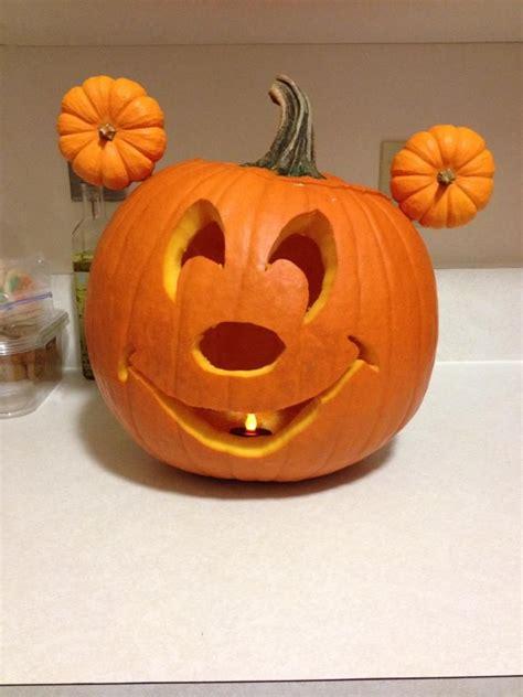 mickey mouse pumpkin ideas my mickey mouse pumpkin kellis board pinterest