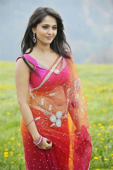 anushka shetty navel in saree album