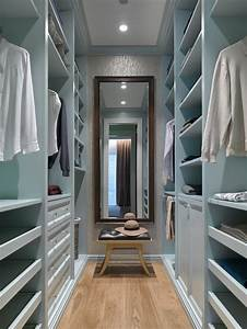 Best Small Walk-In Closet Design Ideas & Remodel Pictures