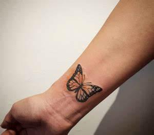 Tatouage Papillon Signification : tatouage papillon poignet ~ Melissatoandfro.com Idées de Décoration