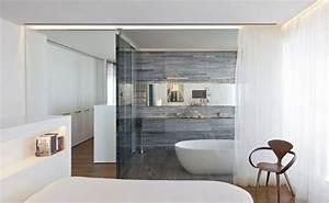 carrelage salle de bain grise et bois en 37 idees de deco With salle de bain design avec voir sapin décoré