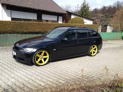 black  yellowi er bmw