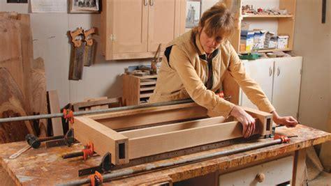 build  arts  crafts wall shelf finewoodworking