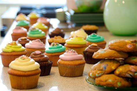 bake sale gov snyder signs bill to bring back school bake sales wemu
