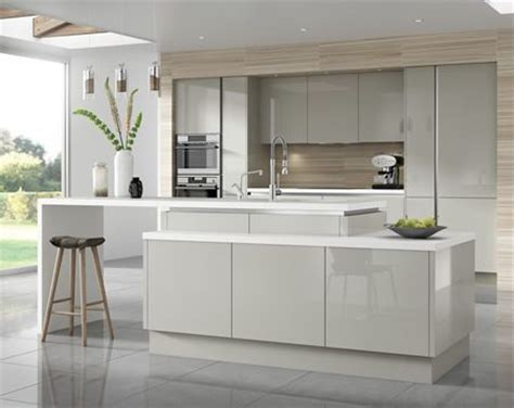 1000+ Ideas About Light Grey Kitchens On Pinterest