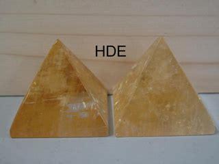 honigcalcit pyramide honigcalcit pyramiden finden sie bei uns