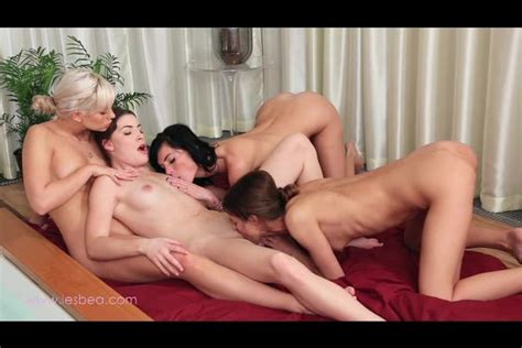 Lesbian Foursome Fucking With Each Other In A Hot Tub