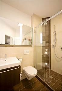 Kleines Badezimmer Tipps : genial kleines badezimmer gestalten genial home ideen ~ Lizthompson.info Haus und Dekorationen