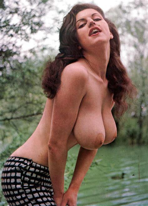 Busty nude girls-xxx hot porn