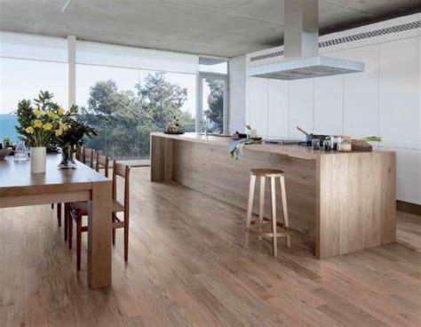 carrelage imitation parquet cuisine carrelage imitation parquet idées pour l 39 intérieur moderne