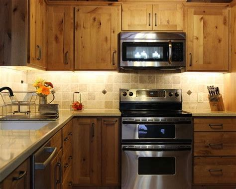 yellow pine kitchen cabinets best 25 knotty pine kitchen ideas on pine 1698