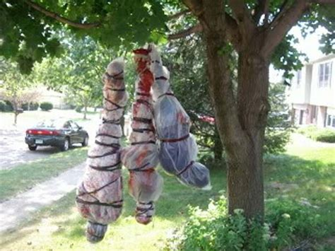 top  creepy ideas  decorate outdoor trees  halloween