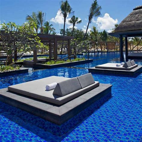 luxury and contemporary hotel built with natural elements