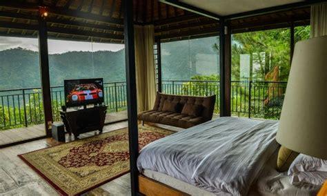 villa aman dsini suasana bali  dekat  jakarta