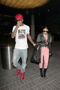 Nicki Minaj Flaunts Cleavage At LAX, Arrives With Rumored ...