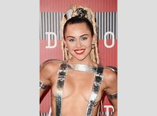 Miley Cyrus' 2015 VMAs Red Carpet Outfit Was Totally Out