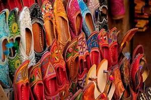 Shopping at Tourist Shoes in Jaipur via Jaipur Shopping