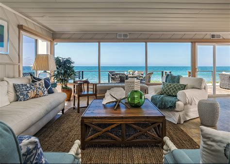 california beach cottage with coastal decor home bunch
