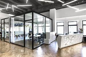 N26 Office HQ in Berlin by TKEZ architecture