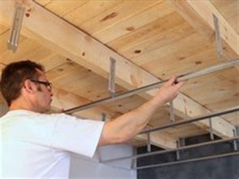 comment poser un faux plafond comment poser un faux plafond sur ossature bois leroy merlin