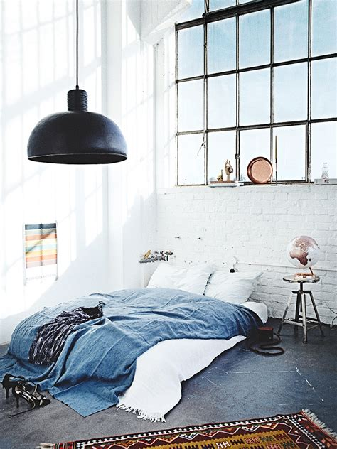 Bett Industrial Style by Bett Industrial Style Bohemian Industrial Style Apartment