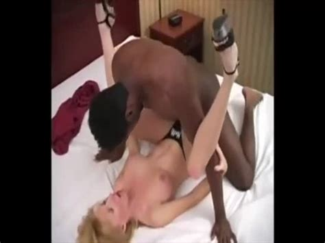 Hubby Eats Bbc Creampie From His Wifes Pussy At
