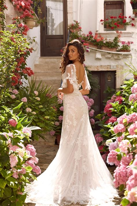 Ausgefallene brautkleider, hochzeitskleid, brautkleid, ungewöhnlich, extravagant, fantasykleid, mittelalterkleid, empirekleid, filmkostüm, filmkostüme, herr der ringe, arwenkleid, galadrielkleid. Madi Lane Brautkleider 2020/2021   Designer   White and Night