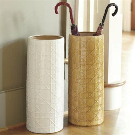 canapé modulable design un porte parapluie design pour le style et le confort
