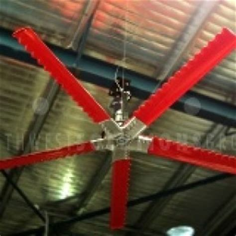 large diameter industrial fans reduce warehouse heat