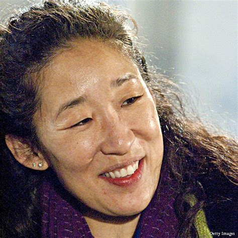 sandra oh yahoo sandra oh tears up over grey s anatomy exit for katie