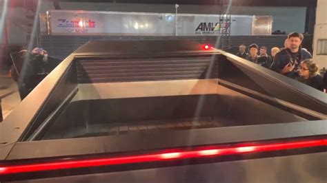 super slick tesla cybertruck tonneau cover  action