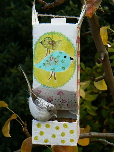 petites mangeoires  oiseaux leon pas sur les murs
