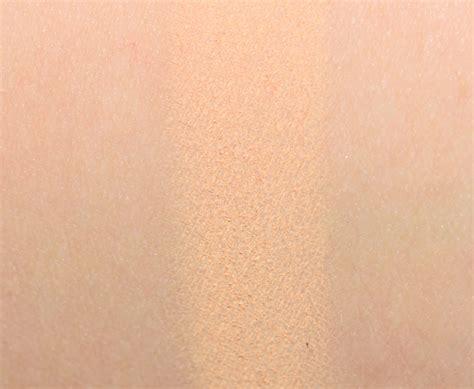 sneak peek huda beauty desert dusk eyeshadow palette