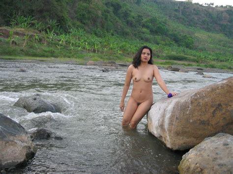Kemaluan Cewek Foto Anisa Nude Model Bali Bugil Pose Di