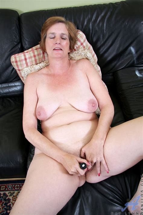 Horny Granny With A Soft Mature Curvy Body And Saggy Boobs