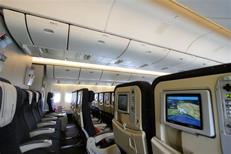 boeing 777 interieur air une architecture int 233 rieure travaill 233 e les coulisses d un boeing d air sur journal du