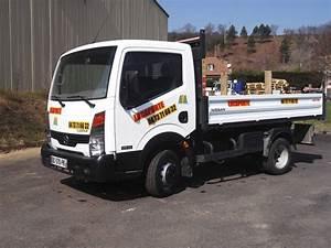 Largeur Camion Benne : locations camion benne 3 5t issoire 63500 avec locaporte ~ Medecine-chirurgie-esthetiques.com Avis de Voitures