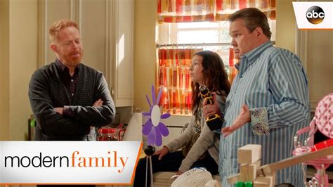 project free tv modern family s science fair project modern family 8x13