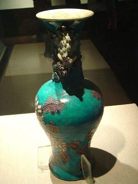 chrysanthemum styled porcelain vase   colors