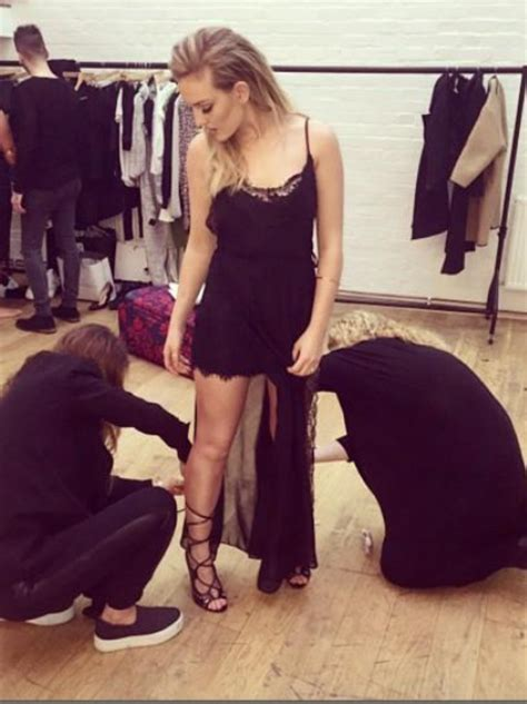 On set with her Little Mix girls! Perrie Edwards looks ...