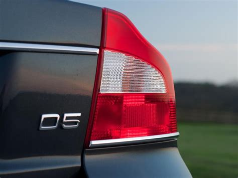 volvo  saloon  review auto trader uk