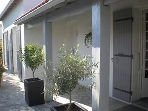 facade blanche volets gris recherche google volets With couleur gris anthracite peinture 7 comment choisir la couleur de ma terrasse